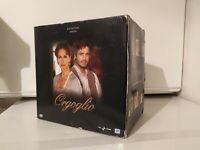 Raro Cofanetto Box 13 DVD - Orgoglio - Prima stagione 1 completa - Rai - Nuovo
