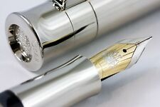 GRAF VON FABER-CASTELL PEN OF THE YEAR 2007 FOUNTAIN PEN PETRIFIED WOOD