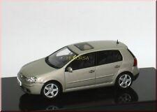 Volkswagen VW Golf 5 V 2004 - beige met. wheatbeige - AUTOart 1:43 - dealer ed.