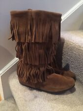MINNETONKA MOCCASIN Brown Suede 3 Layer Fringe Pull On Boots 1638 8 NWOB