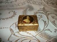 ITALIAN FLORENTINE GILT PORTRAIT BOX CHIC SHABBY PARIS APT HOLLYWOOD REGENCY MCM