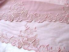 Feine Spitze mit Schmetterlingen, rosa mit Lurexgarn, 20 cm breit  S15