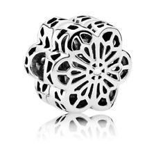 PANDORA Blumen Charm In 925er Silber 791836