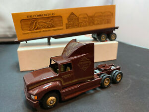 Winross Doneckers 1991 Toy Show Tractor Truck With Trailer & Load 1/64 Diecast
