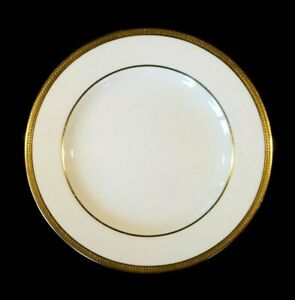 Beautiful Copeland White And Gold Encrusted 485 Lunch Plate
