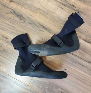 The Realm Black Neoprene Surfing Booties Size L 10-11