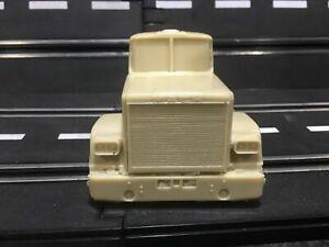 1/32 RESIN Mack Superliner Semi Truck Cab