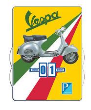 Calendrier  perpétuel VESPA Pin Up assise (version italienne)
