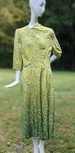 VINTAGE 1940'S JAPANESE THIN OMBRE GREEN FLORAL SILK DRESS