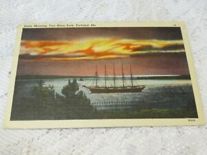 POSTCARD VINTAGE USA  EARLY MORNING FORT ALLEN PARK PORTLAND ME LINEN SHIP 1945