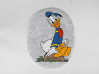 """ON PATCH in love pink heart eyes Disney 2.25X3/"""" Donald Duck Head IRON ON SEW"""
