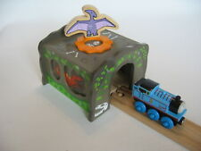 TUNNEL ~ DINOSAUR  ~ for Wooden Train Track Set ( Brio Thomas ) ~ NEW BOXED A1
