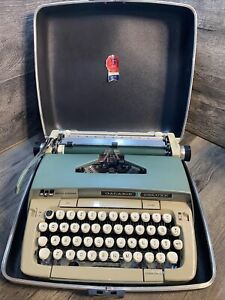 Galaxie Deluxe Smith Corona Typewriter Vintage Portable Hard Case Works SMC Teal