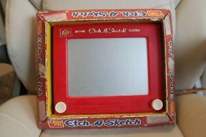 VINTAGE CLASSIC ETCH A SKETCH NO. 505 IN ORIGINAL BOX; OHIO ART