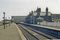 PHOTO  LINCOLNSHIRE  CLEETHORPES RAILWAY STATION 1983