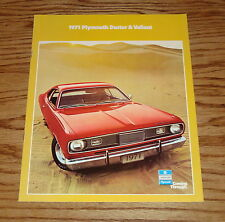 Original 1971 Plymouth Duster & Valiant Sales Brochure 71