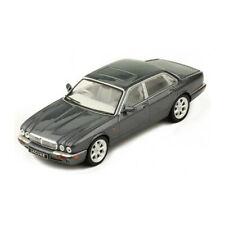 IXO Models CLC289 Jaguar XJ8 (X308) dunkelgrau metallic Maßstab 1:43 NEU! °