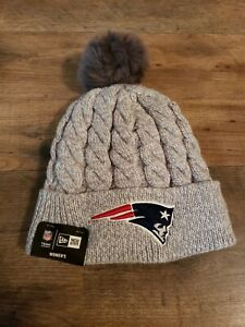 New Era Womens Cuffed Knit Beanie Hat Gray New England Patriots NFL Furry Pom