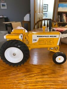 Minneapolis-Moline G940 Toy Tractor Diecast Out of Box Yellow 10x6x6