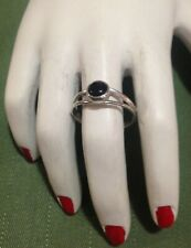 PRETTY STERLING SILVER VINTAGE DOUBLE BAND RING w BLACK ONYX- SIZE P 1/2 (7.75)