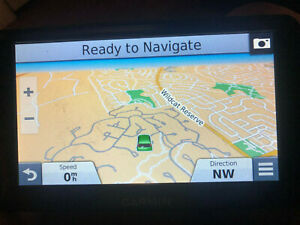 """Garmin 2798LM 7"""" GPS With BC20 feature (No Camera Included)"""