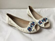 Pavers New Synthetic Leather White Blue Flower Peep Toe Low Wedge Shoes Sz 5