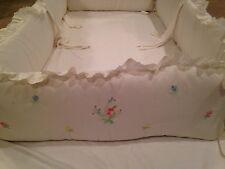 House of Hatten Baby Crib Bumper Pad.