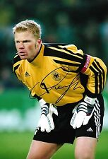 OLIVER KAHN - Hand Signed 12x8 Photo - Bayern Munich Germany - Football