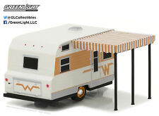 1:64 GreenLight 2017 *HITCHED HOMES #1* WINNEBAGO 216 Travel Camper Hitch Tow