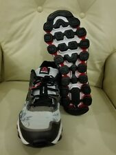 Reebok Mens Zjet Soul  Running Shoe V66275 Size 13. New in box  Steel/Black/Red