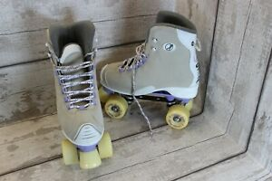 SFR Classic Roller Skate - Size ( Small 6 ) - very good