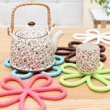 1Pcs Plum Blossom Silicone Cup Coaster Heat Insulation Bowl Saucepan Mat