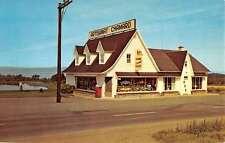 St Jean Port Joli Quebec Canada Artisanat Chamard Vintage Postcard K14385