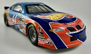 1998 Kyle Petty #44 Race Day Deluxe Hot Wheels Pontiac 1:24 NASCAR die cast