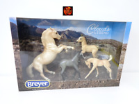 Breyer 1808 Cloud's Legend Palomino Mustang Stallion with 3 Foals - New in Box