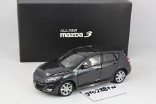 Dealer 1:18 New Mazda 3 Axela Hatchback 2010 Mk.2(GREY) Taiwan Exclusive Version