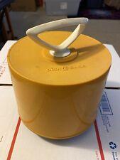 Vintage Mustard Yellow Disk-GO-Case 45 RPM Vinyl Record Holder & Carrier 1960's