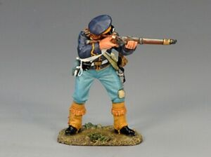 King and Country THE REAL WEST TRW009 Standing Firing Dragoon PREOWNED RETIRED