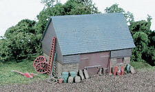 WILLS 00 Gauge Scenic/ Track/Layout Plastic Kit No: SS30 Stone & Timber Barn.