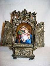 """Alter Bronze Hausaltar, Porzellan Plakette mit Miniatur """"Maria mit Jesus Kind"""""""
