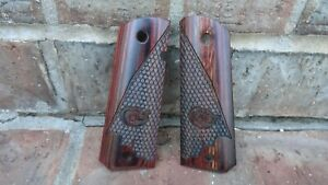 Colt GOVT 1911 Grips SCALED Rosewood with Colt Logo ALTAMONT USA freeship AB1