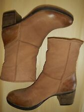 REPORT SIGNATURE  BOOTS 'FIRESIDE', TAN/TAUPE NUBUCK LEATHER, SIZE 8.5 B, NEW