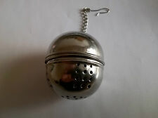 BALL SHAPED ROUND SCREW TOGETHER TEA INFUSER STRAINER (BRAND NEW)