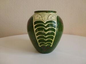 Keramik Jugendstil Vase mit schöner Schlickermalerei um 1900
