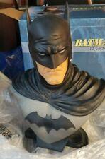 BATMAN BUST 1:2 SCALE MUSEUM PEDESTAL STATUE DC COMICS DAMAGED