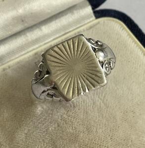 Vintage Sterling Silver Starburst Decorated Mens Signet Dress Ring Size V 5.3g
