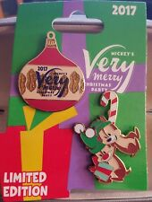 Disney Pins Mickey Very Merry Christmas Party 2017 Chip & Dale 2 Pins LE 5300