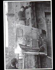 QUELVEN (56) DECORATIONS pour JOUR du PARDON , EGLISE en 1979