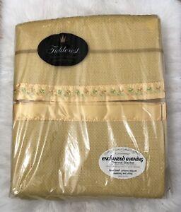 Fieldcrest Enchanted Evening Thermal Blanket Gold Creslan Acrylic Vintage Full