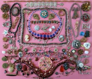 VINTAGE JEWELRY Huge Mixed Lot Antique Mod Brooches Necklaces Bracelets Earrings